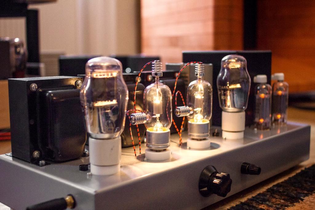 The Audio Eagle - Munich Tube Amp Magic